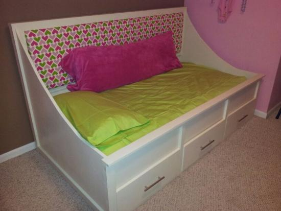 Diy Inspiration Daybeds: An Ann Marie Daybed For Ryan